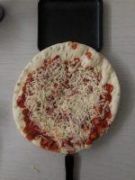 ホットサンドメーカで無理やり強引にピザを焼いてみた